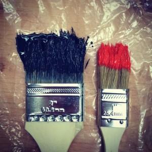 brushes-983943_640